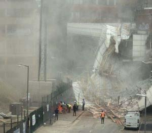 scaffolding collapses in Reading