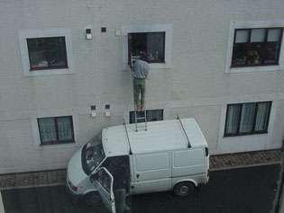 unsafe ladder